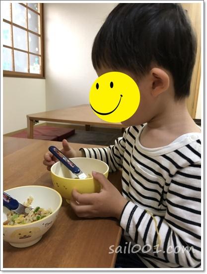 白浜笑福の中華そばを食べる息子