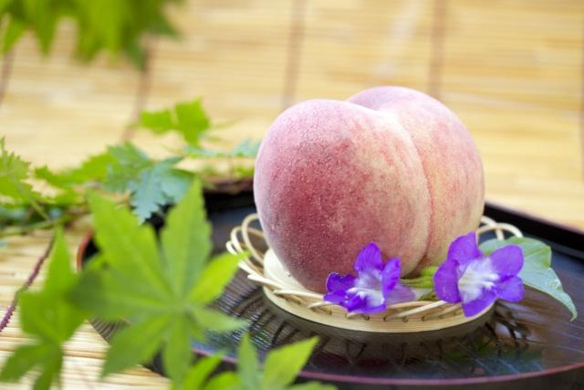 お供えに旬の果物