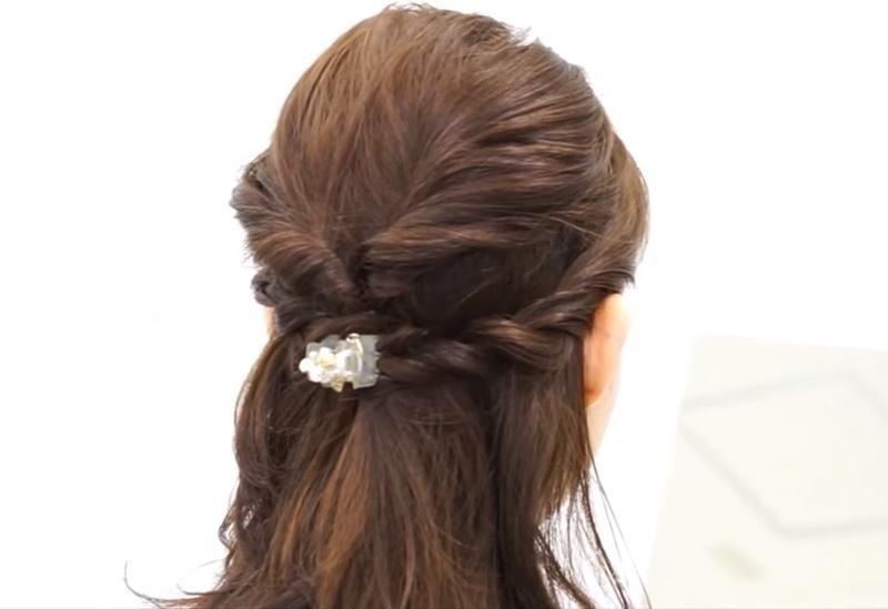 ミディアムのヘアスタイル
